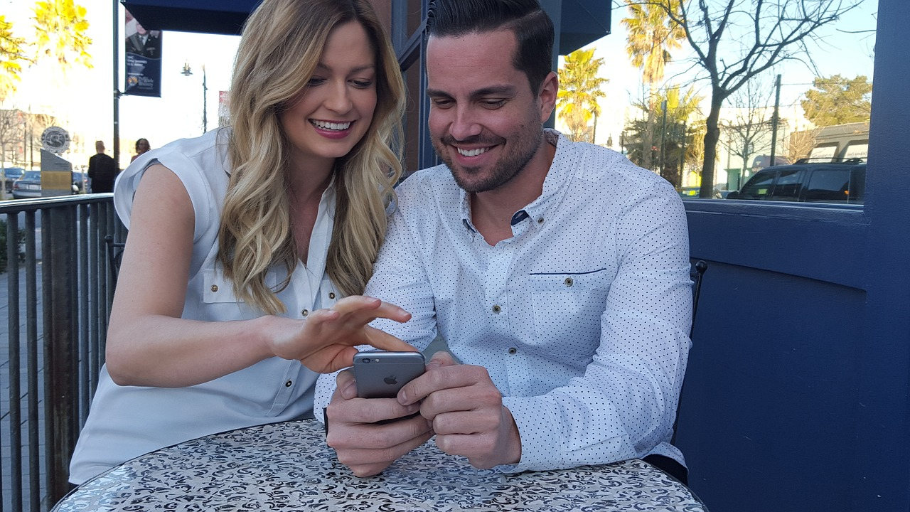 A Hand-Held World: The Future of Mobile Advertising