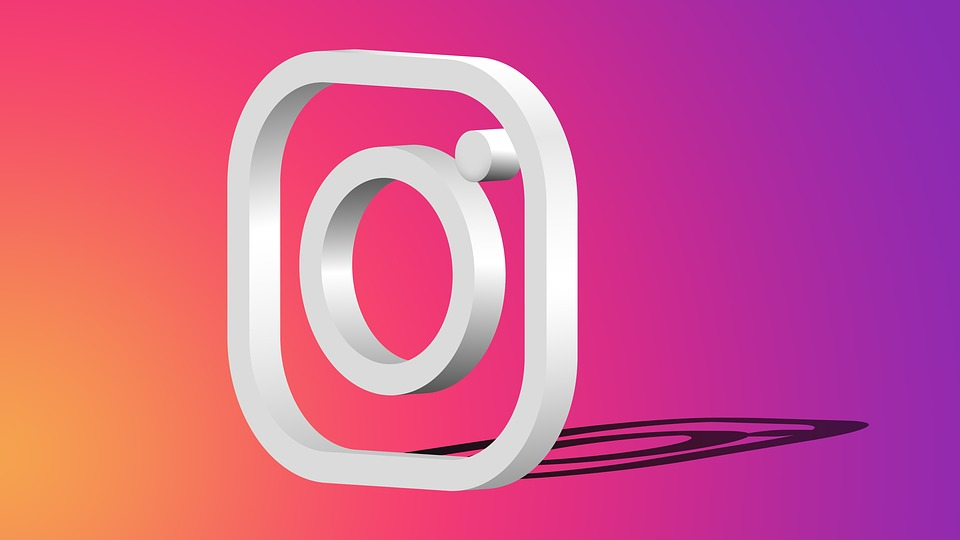 The Pros and Cons of Using Instagram Bots for Business