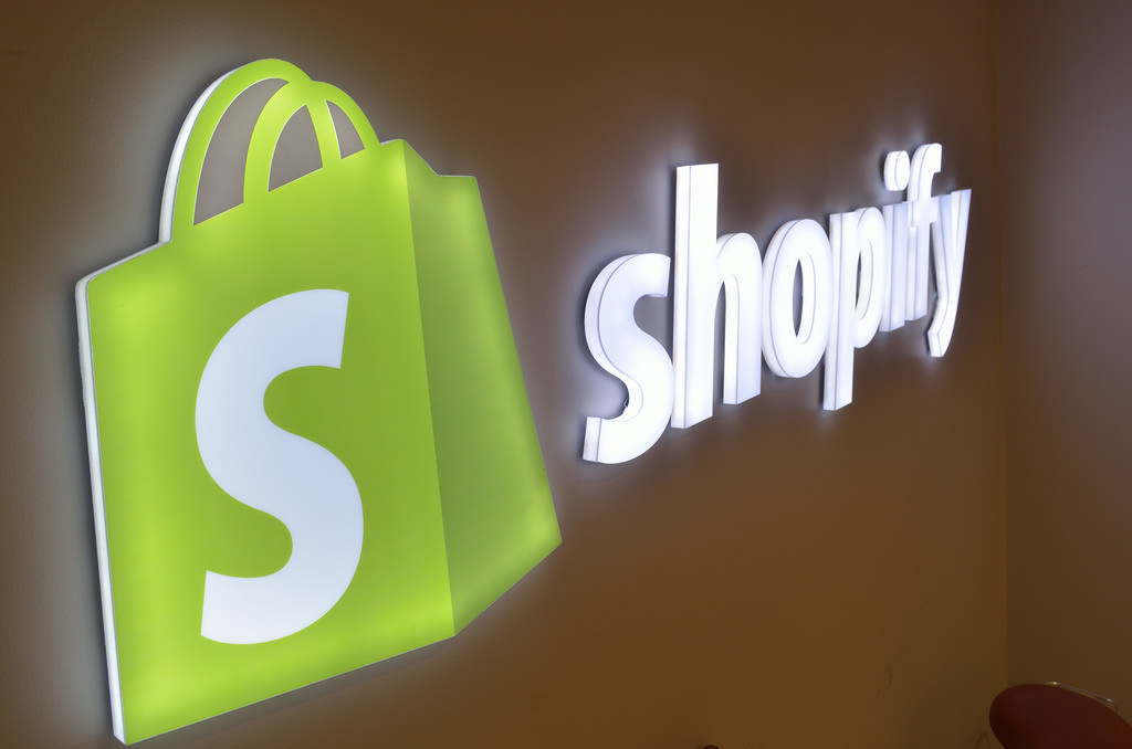 Shopify Review – My Personal Experience with Pros & Cons