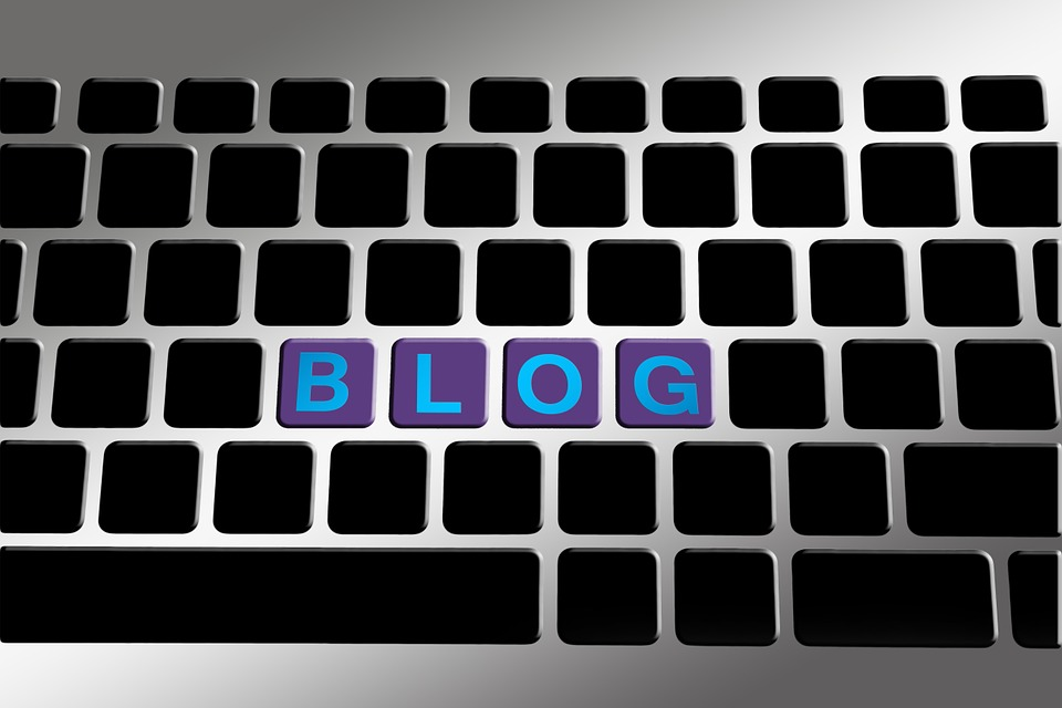 Blogging vs. Video: When Does Each Format Work Best?