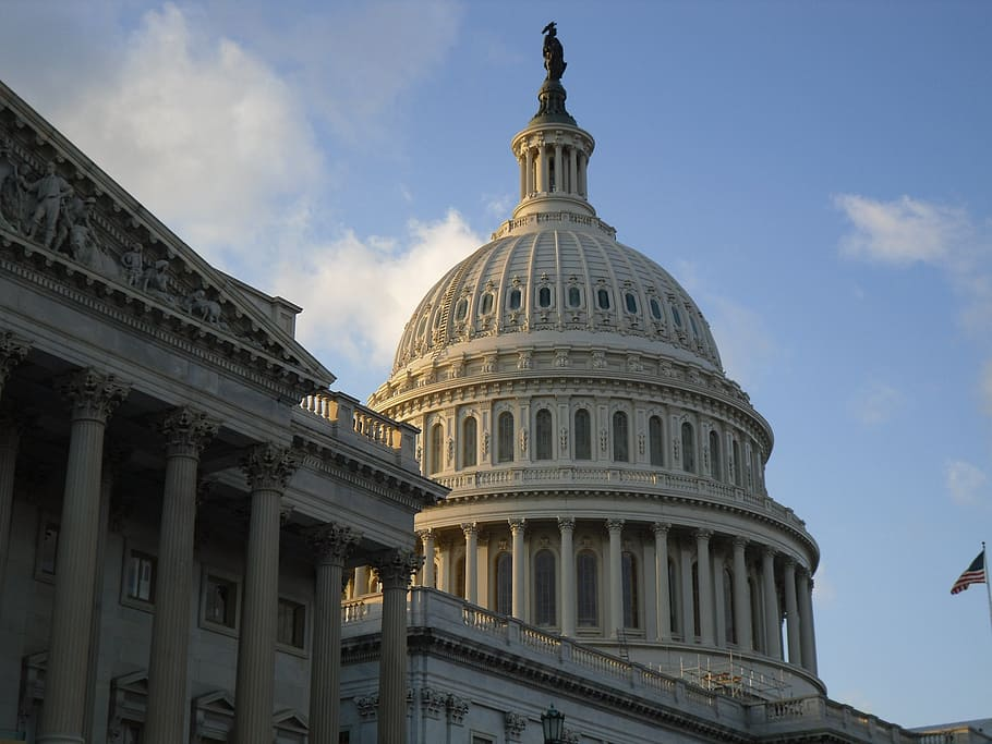 Scoop: Top CEOs urge Congress to help small businesses