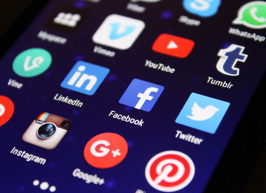 Are Social Media Newsfeeds Dead in the Coming Year?
